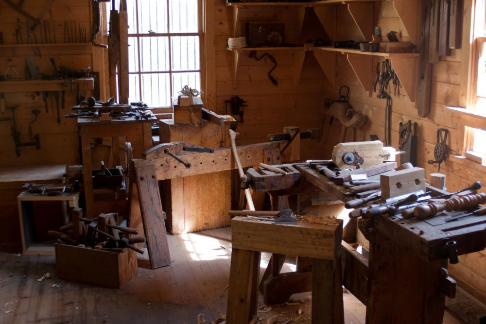 leatherwork shop in colonial quarter st. augustine